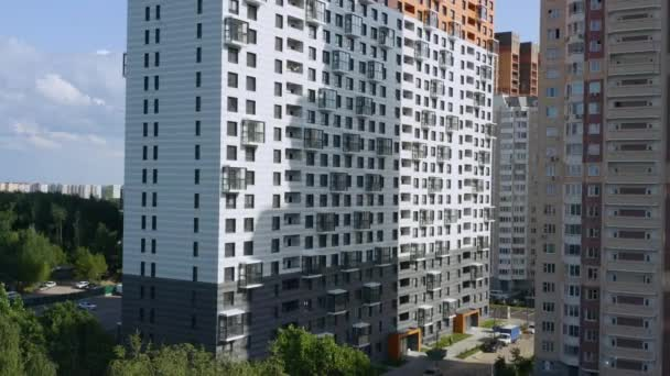 új ház nagy lakóterülettel
