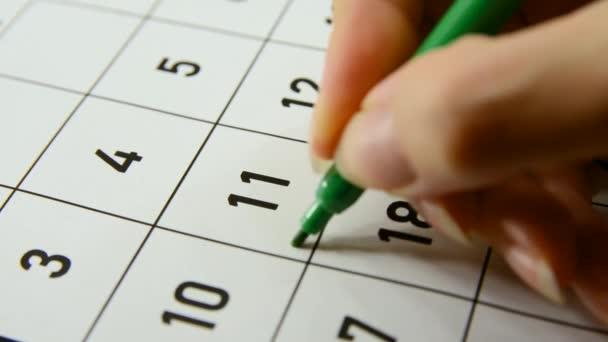 Scrivere la parola Deadline nel calendario l11 del mese