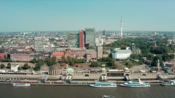 Luftaufnahme der hamburger landungsbrücken landungsbrücke st. paulihafen an der elbe deutschland