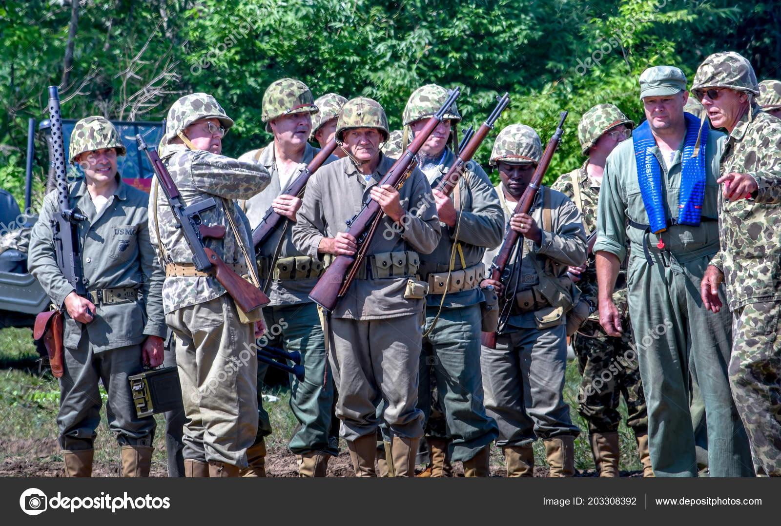 June 2018 Joseph Usa Group Soldiers Vintage Uniforms Vietnam War