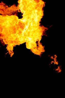 Hareketli enerjiyle yanan sıcak alevler. Endüstriyel enerji ve ısı saçma yağı yakıtı ya da odundan geliyor. Ateşleme patlaması tehlikesi.