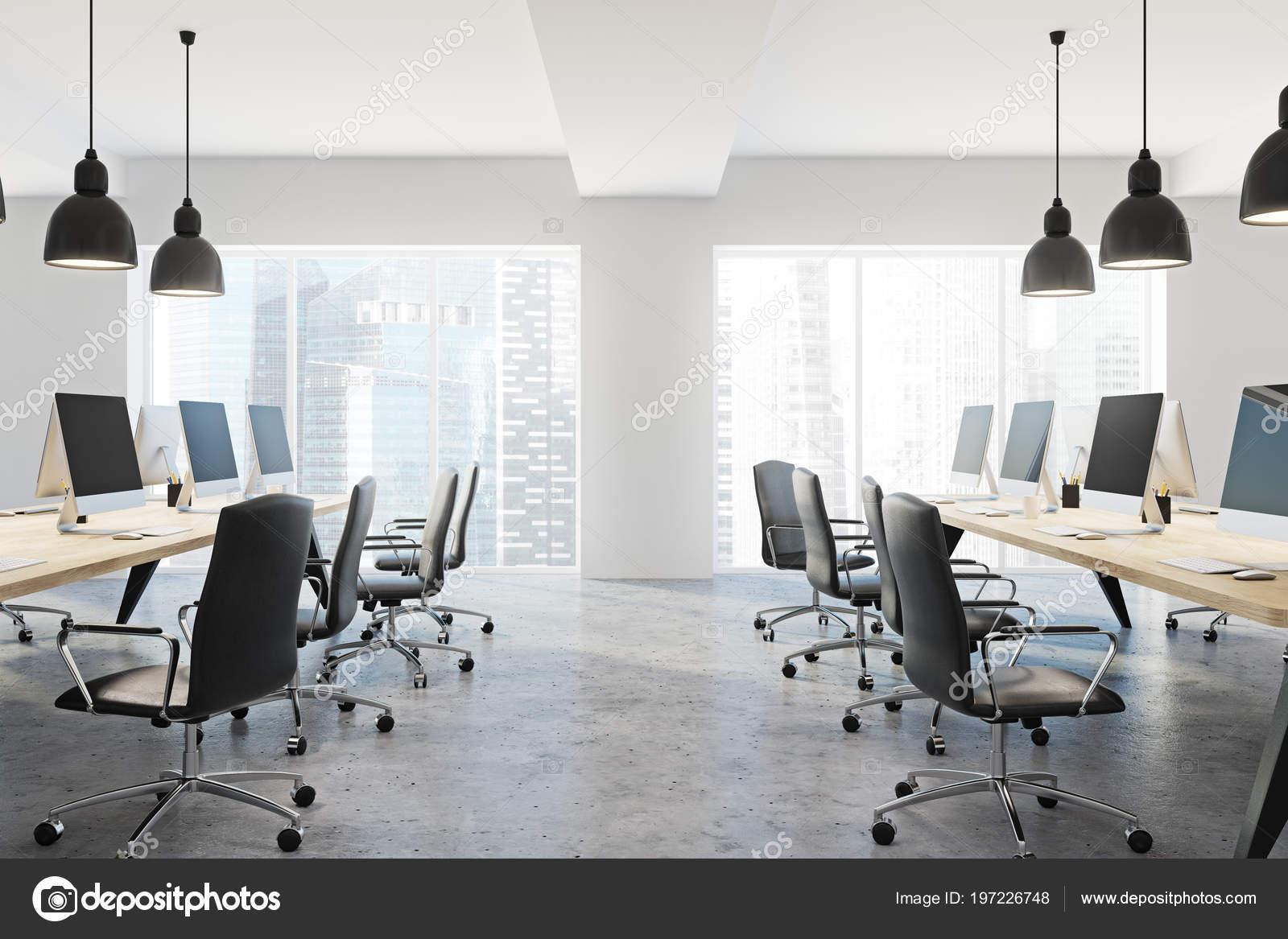 Vue latérale bureau entreprise moderne avec murs blancs plancher