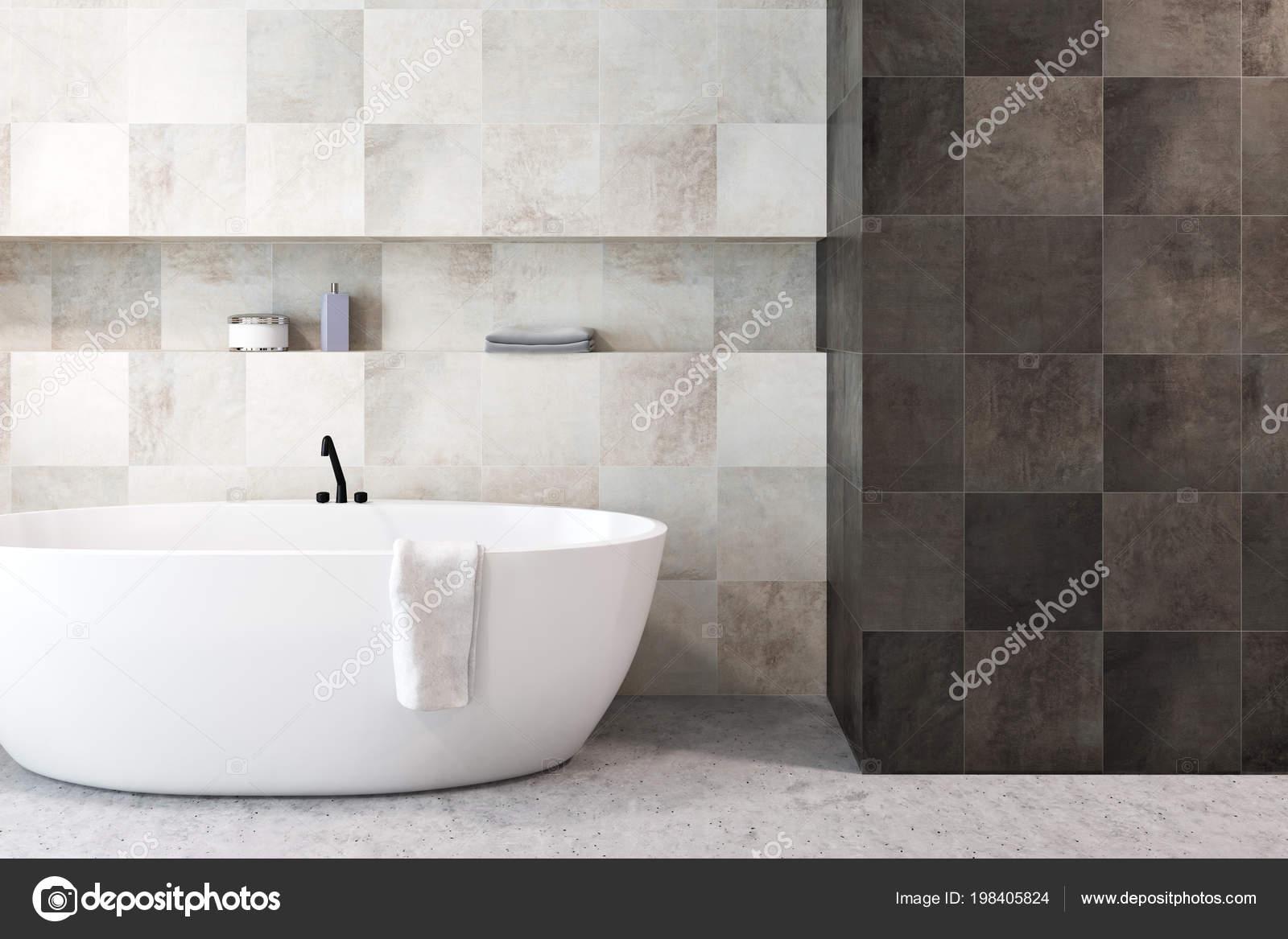 Baignoire Blanche Dans Intérieur Blanc Noir Salle Bain Moderne Carrelée U2014  Photo
