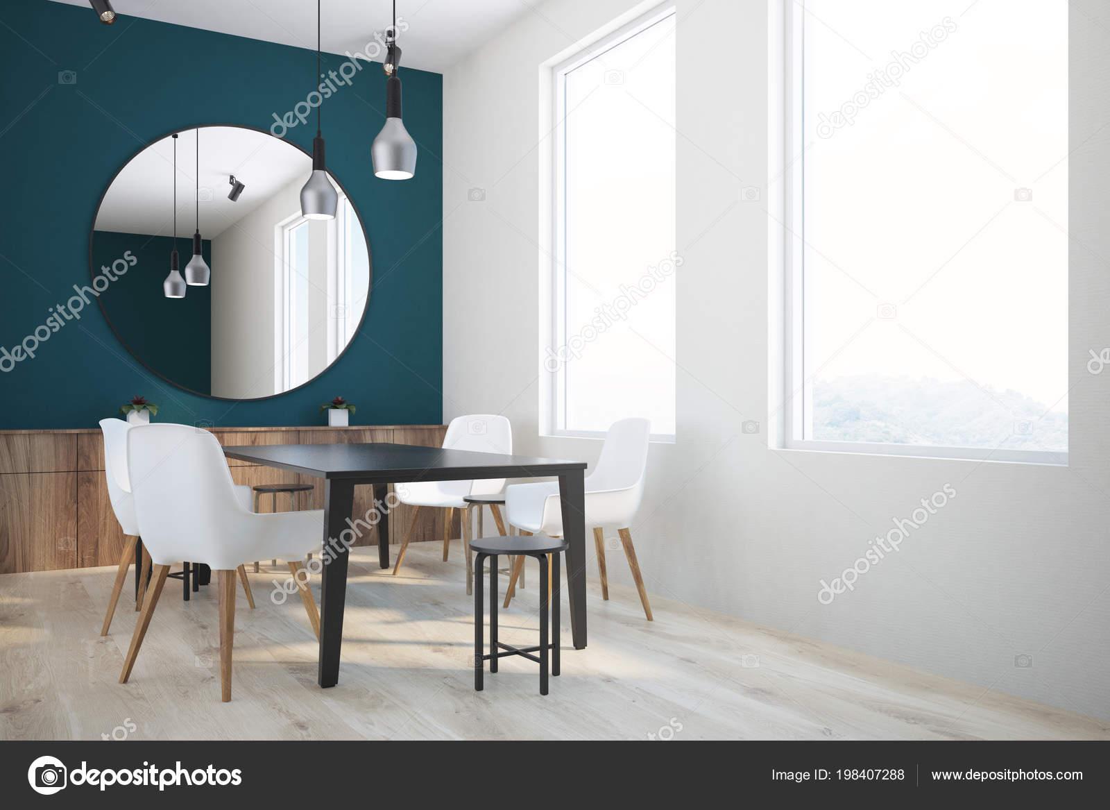Color Verde Oscuro Blanco Pared Comedor Con Una Mesa Negra — Foto de ...