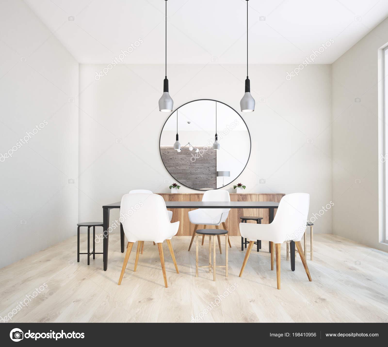 Witte Tafel Zwarte Stoelen.Klassieke Witte Muur Eetkamer Interieur Met Een Zwarte Tafel Witte