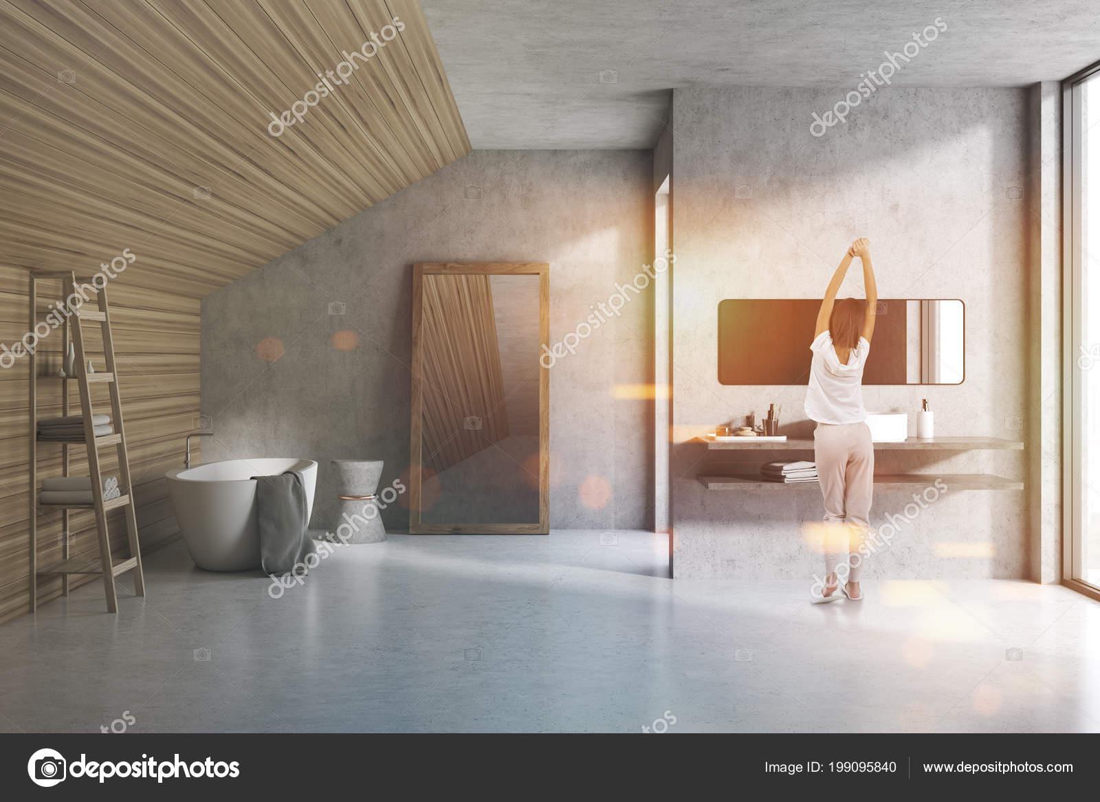 Dachgeschoss Badezimmer Interieur Mit Beton Und Holz Wände Einen ...