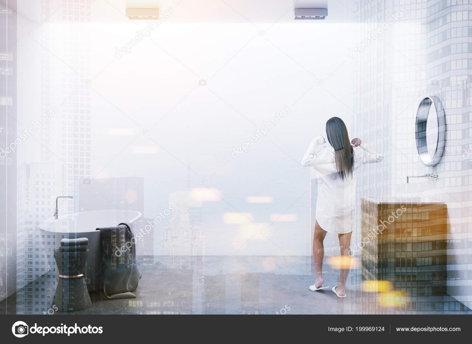 Vasca Da Lavare In Cemento : Arredo minimalista con pareti bianche pavimento cemento una vasca