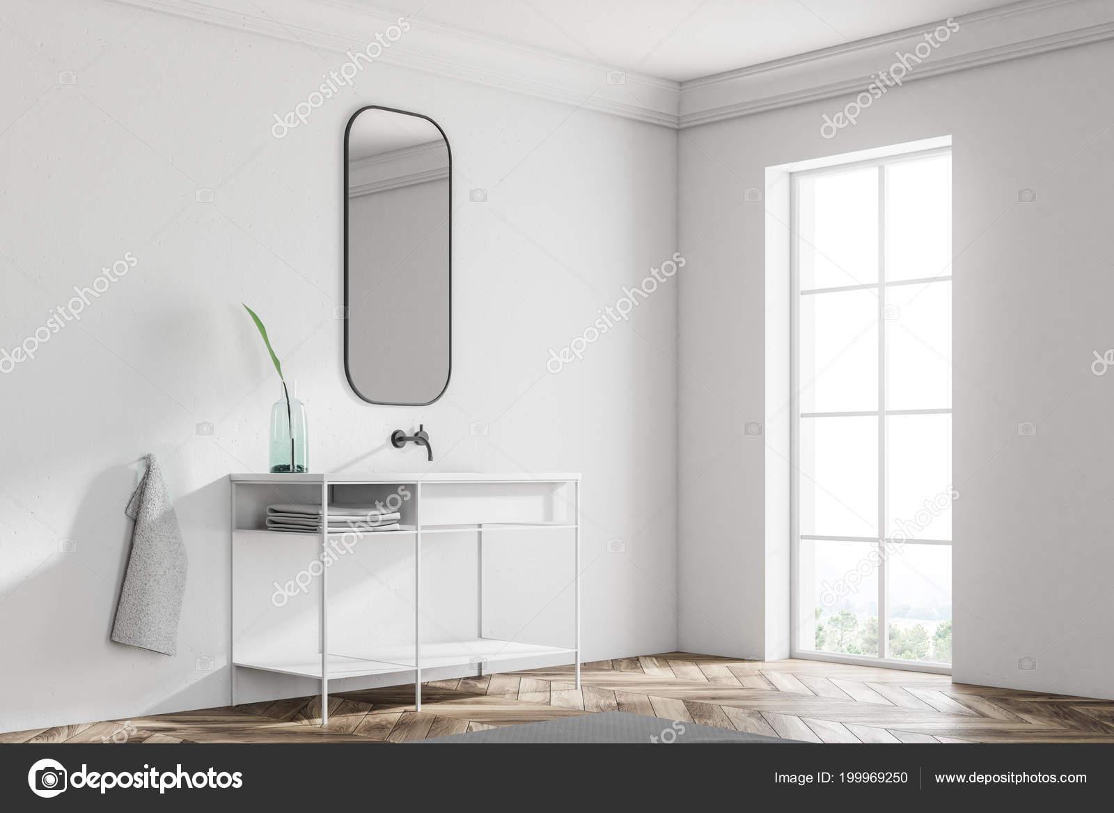 Weiße Badezimmer Waschbecken Stehend Einer Skandinavischen Stil Bad ...