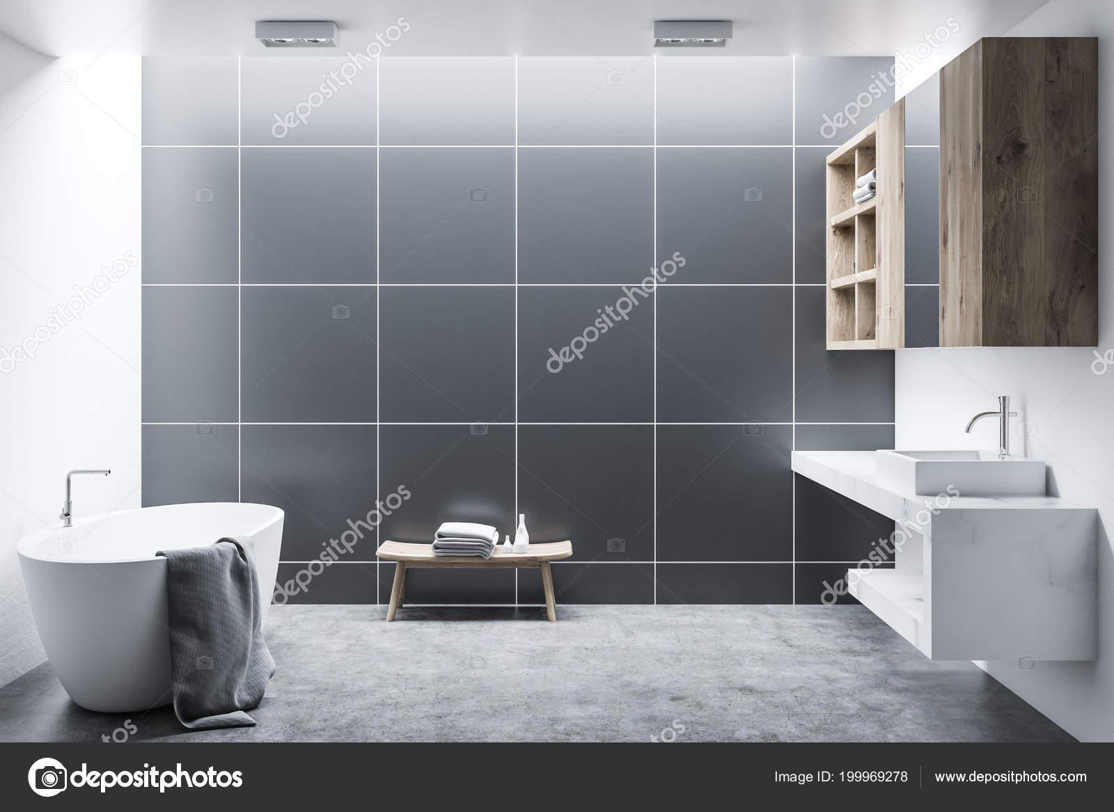 Zwarte tegel moderne badkamer interieur met houten kasten een