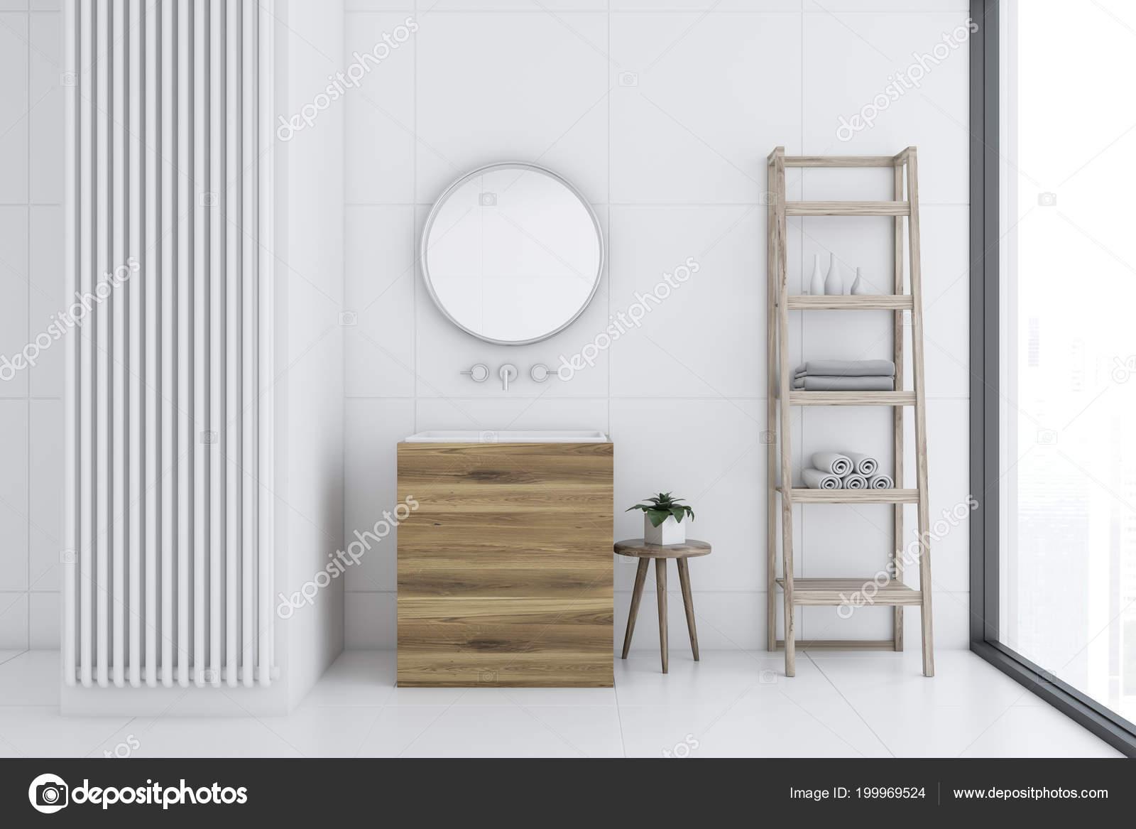 Bianco piastrelle bagno interni con pavimento piastrelle bianche