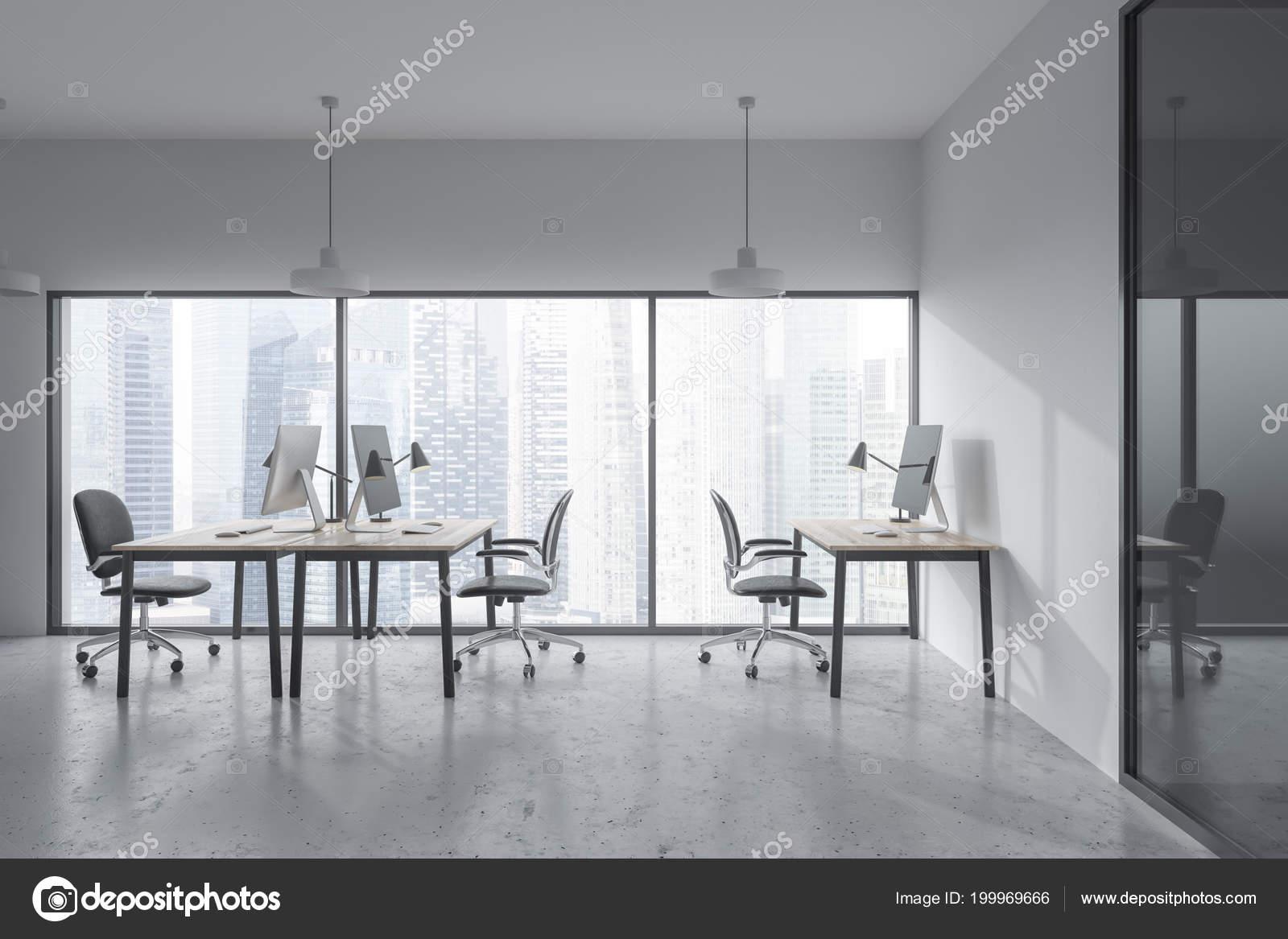Panoramisch Kantoor Interieur Met Wit Glazen Wanden Een Betonnen ...