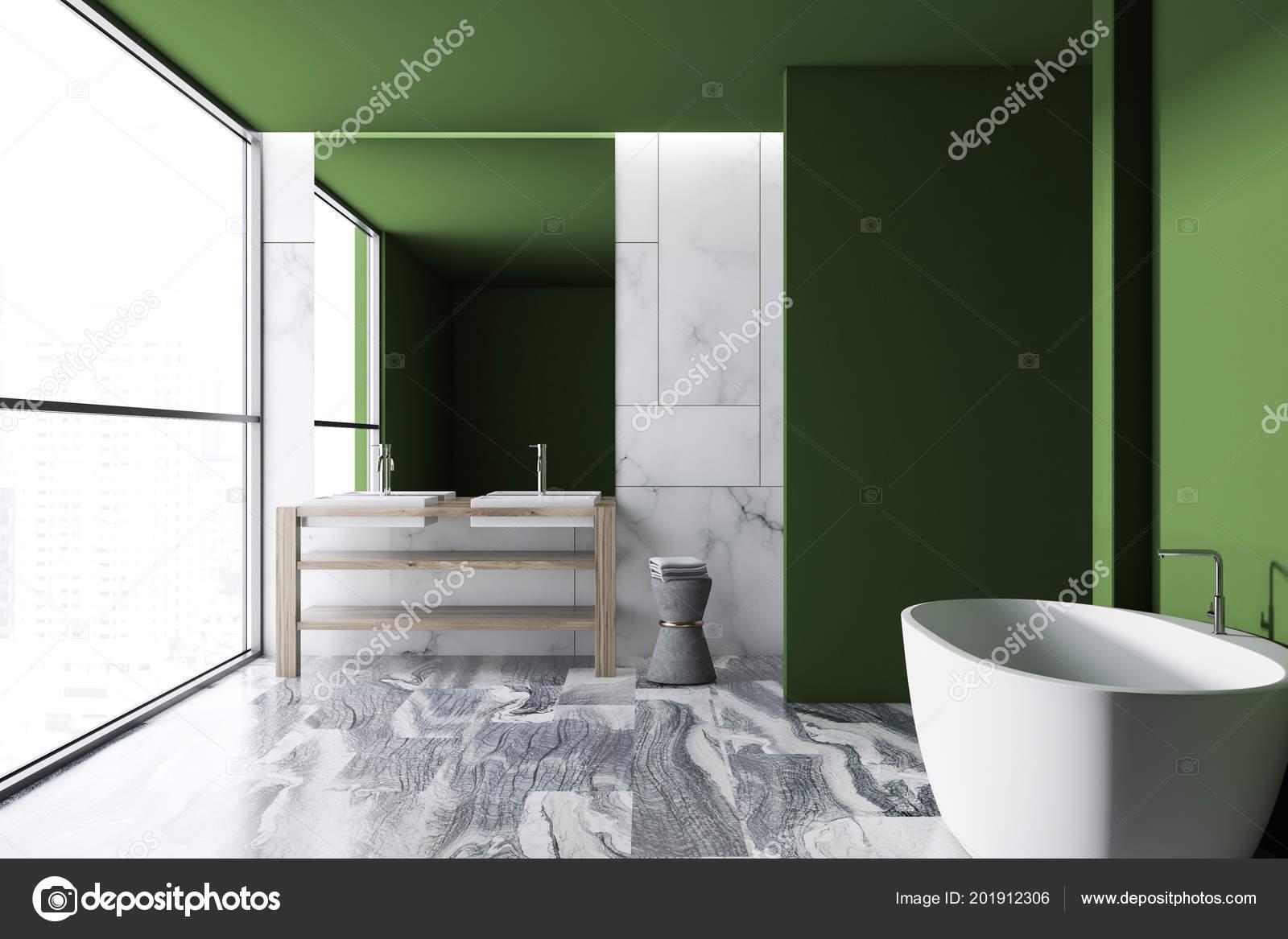 Interno bagno lusso del sottotetto parete verde con pavimento