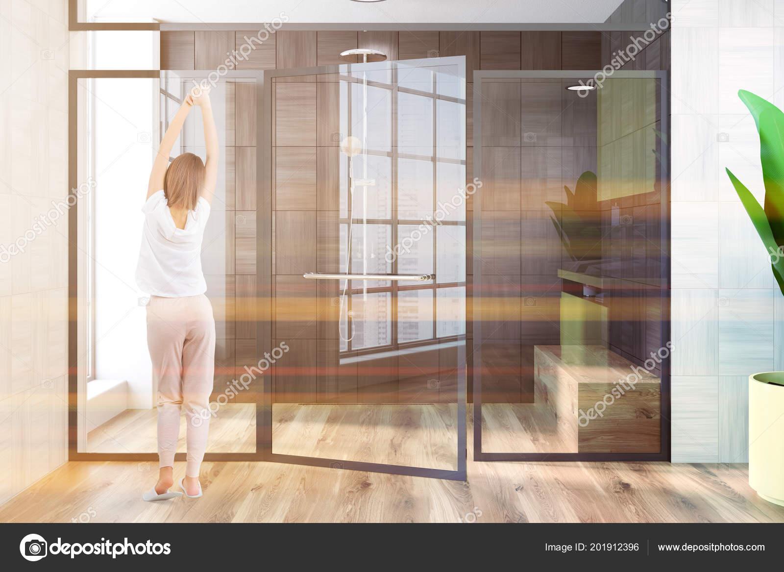 Intérieur Du Mur En Bois Noir Et Blanc Salle De Bain Avec Cabine De Douche.  Femme Dans Une Chemise De Nuit. Maquettes 3D Rendu Image Toniqueu2013 Images De  ...
