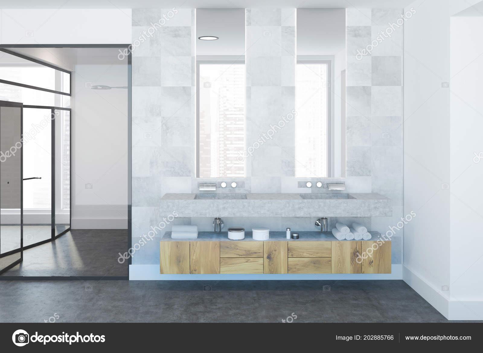 Interni lusso bagno piastrelle bianche con pavimento cemento
