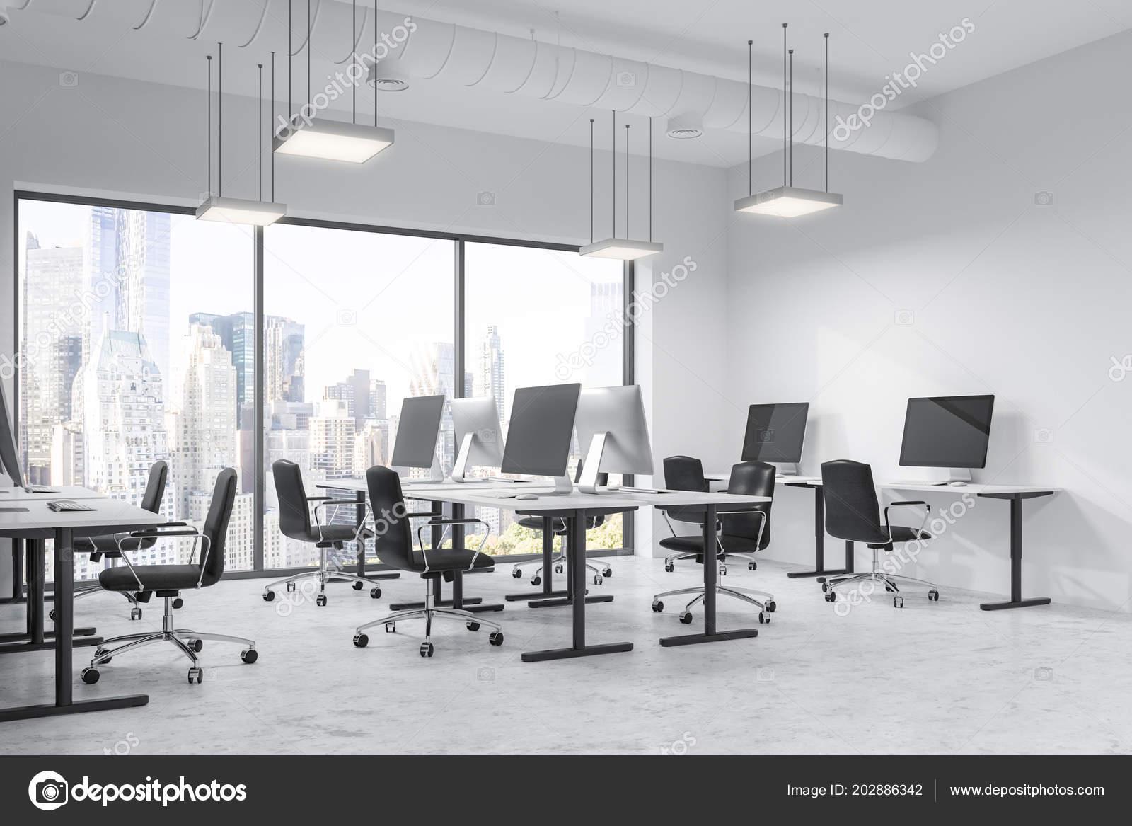 Intérieur bureau moderne espace ouvert avec les murs blancs sol