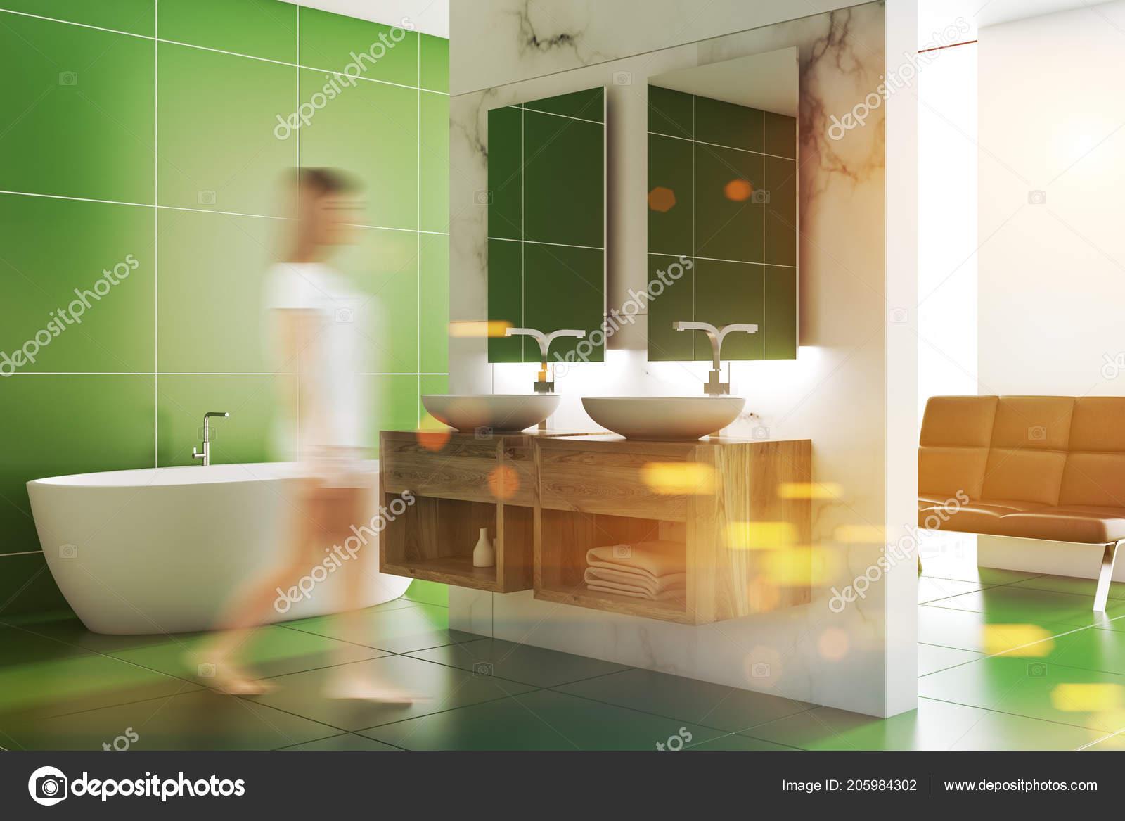 Woma Dans Décor Salle Bains Carrelage Vert Avec Blanc Evier ...