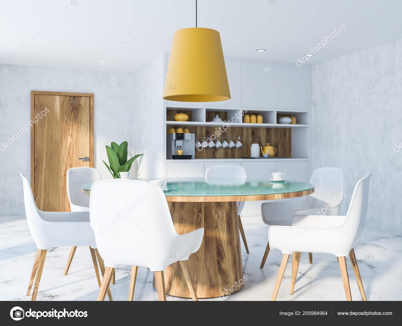 Gezellige keuken interieur met een houten tafel witte stoelen houten