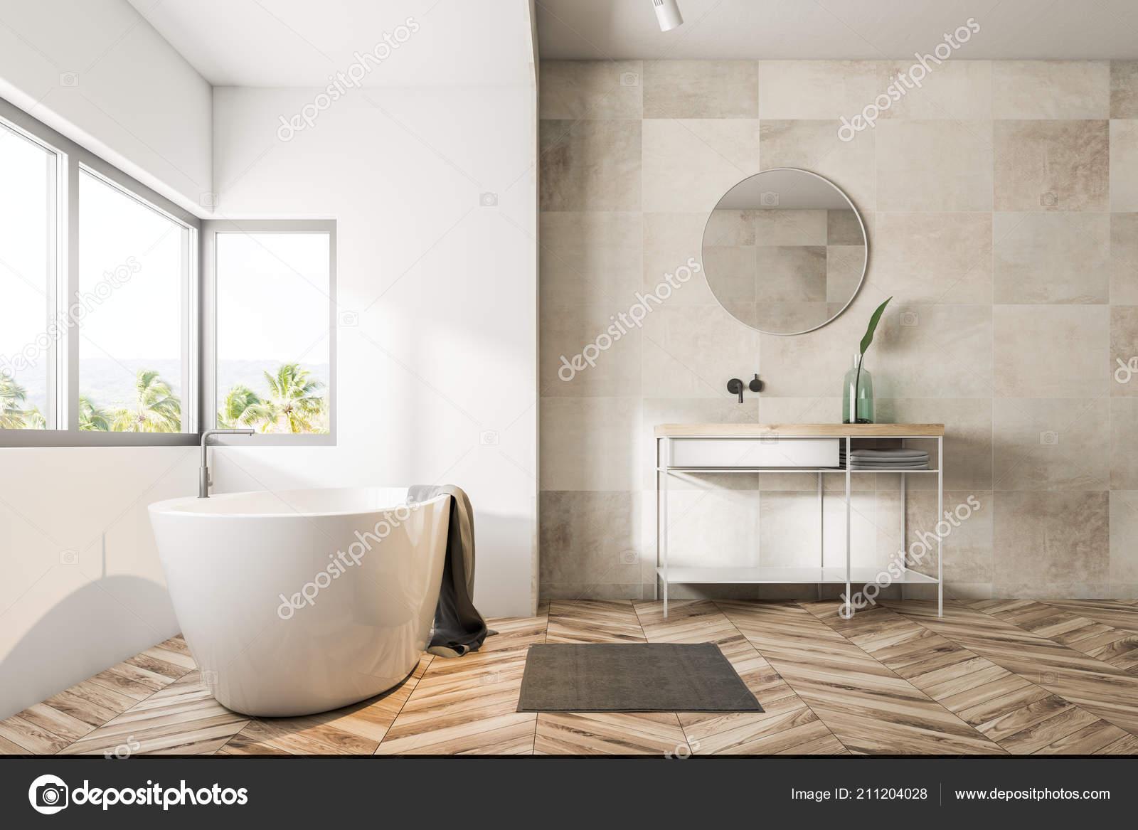 Interior Del Cuarto Baño Con Beige Azulejo Las Paredes Suelo ...