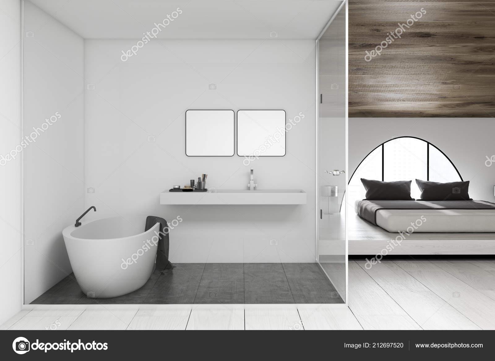 Interieur van moderne badkamer met wastafel met twee vierkante