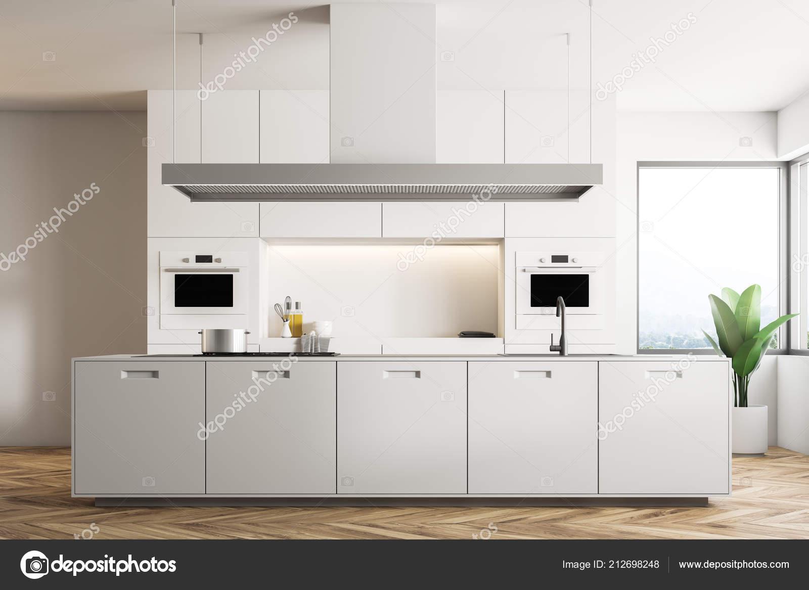 Interiore Della Cucina Moderna Con Pareti Bianche Pavimento Legno ...