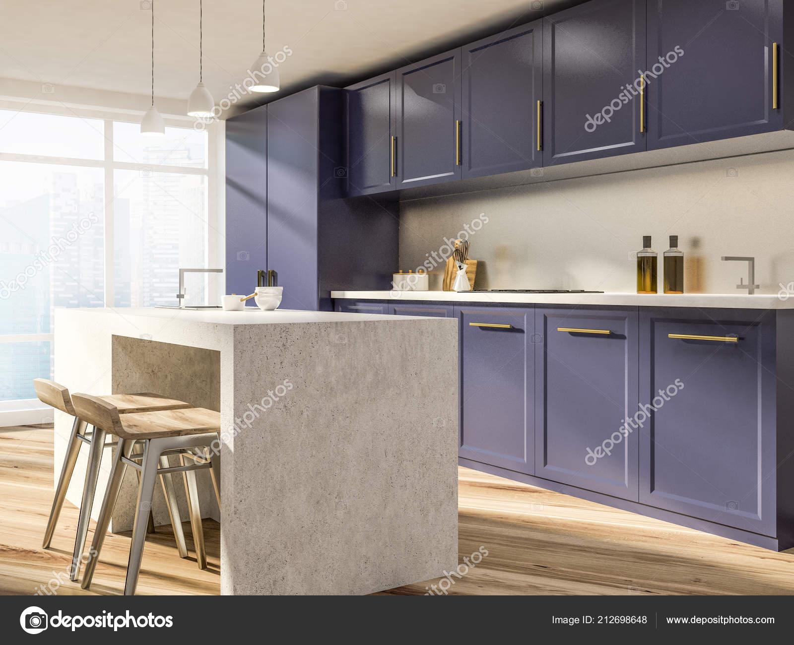 Angolo cucina elegante con pareti bianche pavimento legno