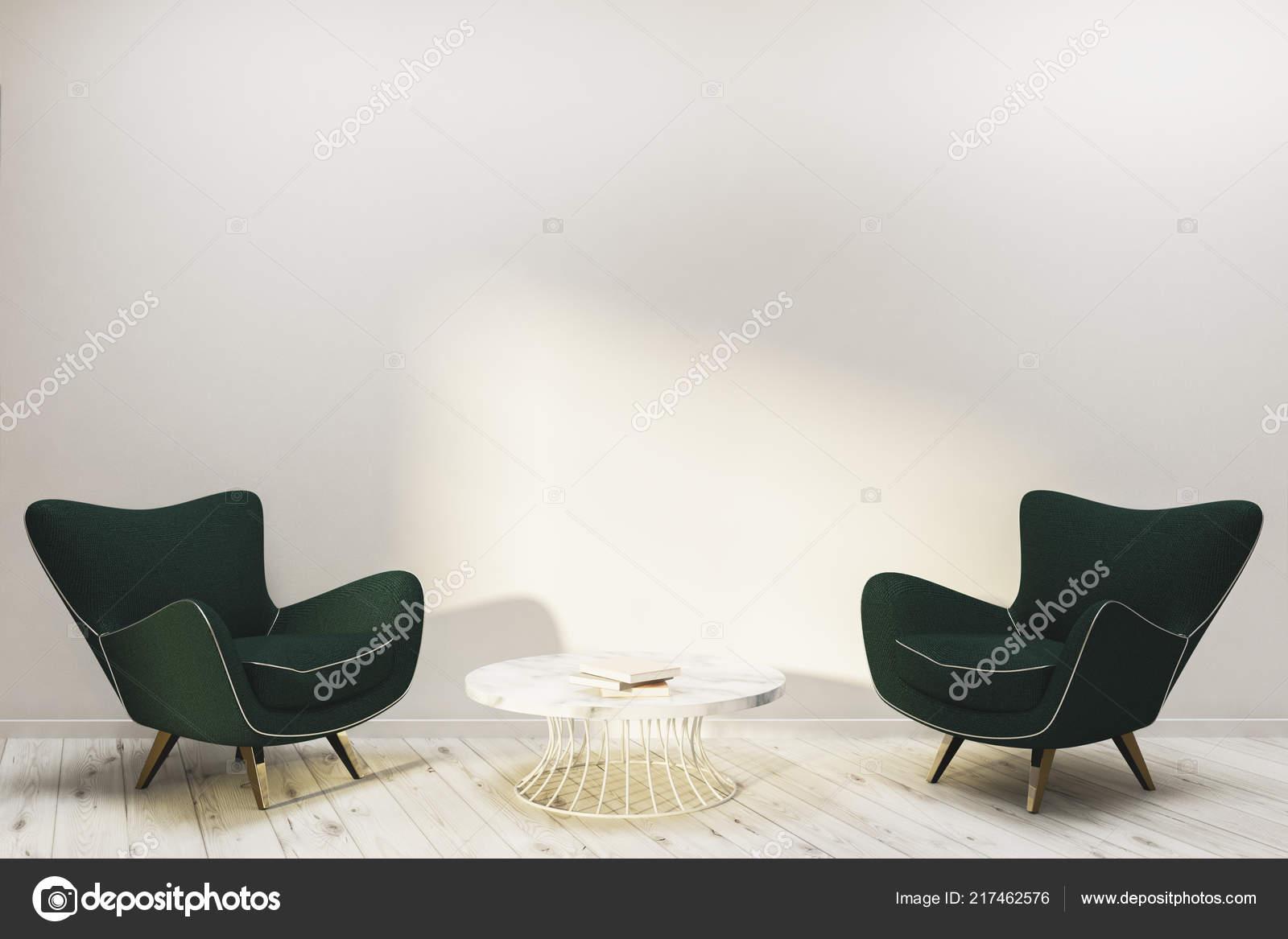 Interieur van minimalistische woonkamer met witte muren houten