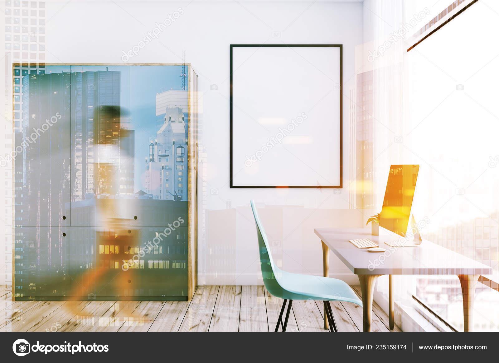 Frau Home Office Innenraum Mit Computertisch Mit Desktop Einen ...