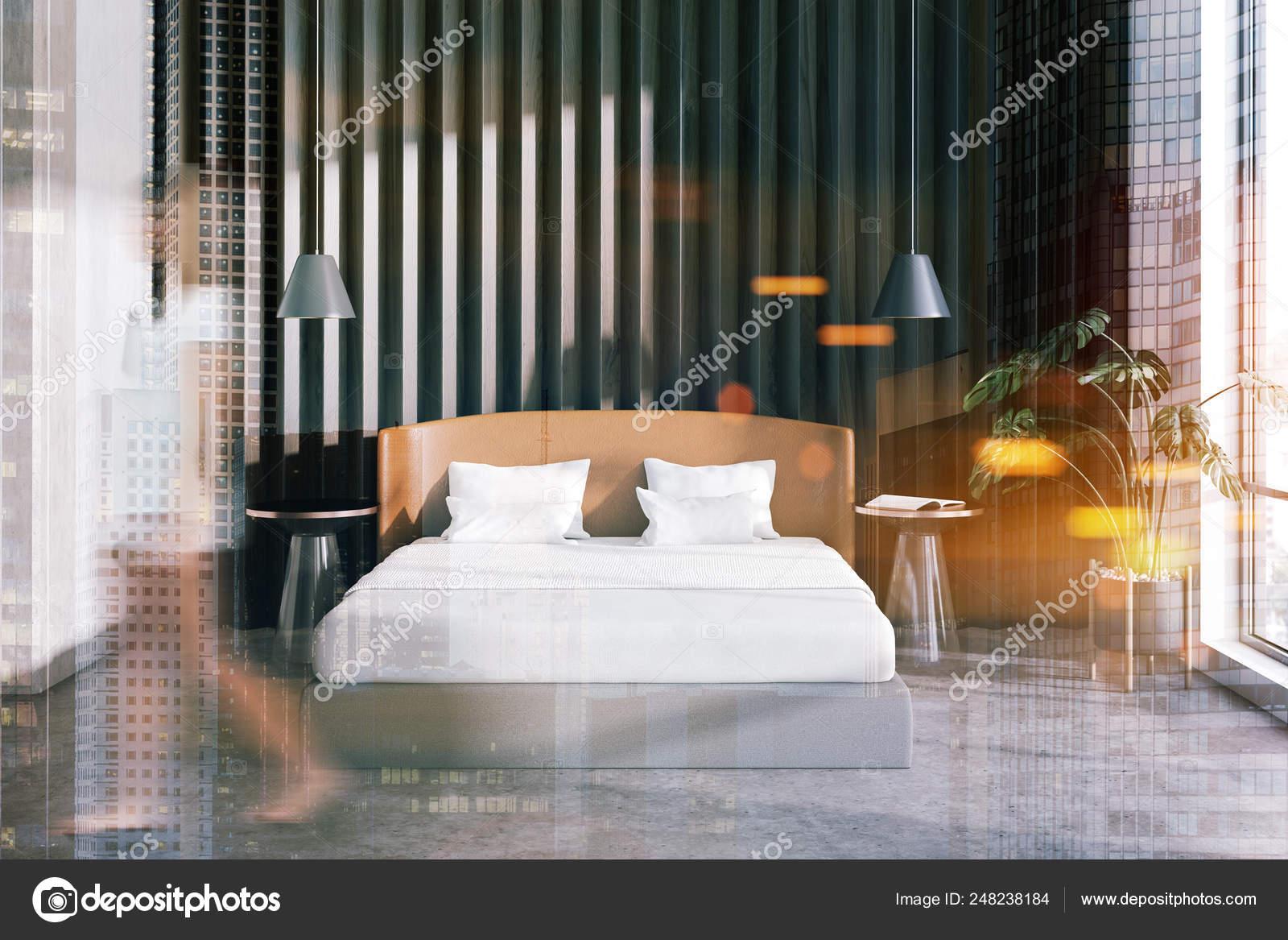 Pianta Camera Da Letto Matrimoniale : Donna in camera da letto in legno interno con pianta u2014 foto stock