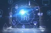 Smart Home Schnittstelle und Laptop