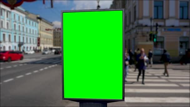 Billboard zelená obrazovka v ulicích města