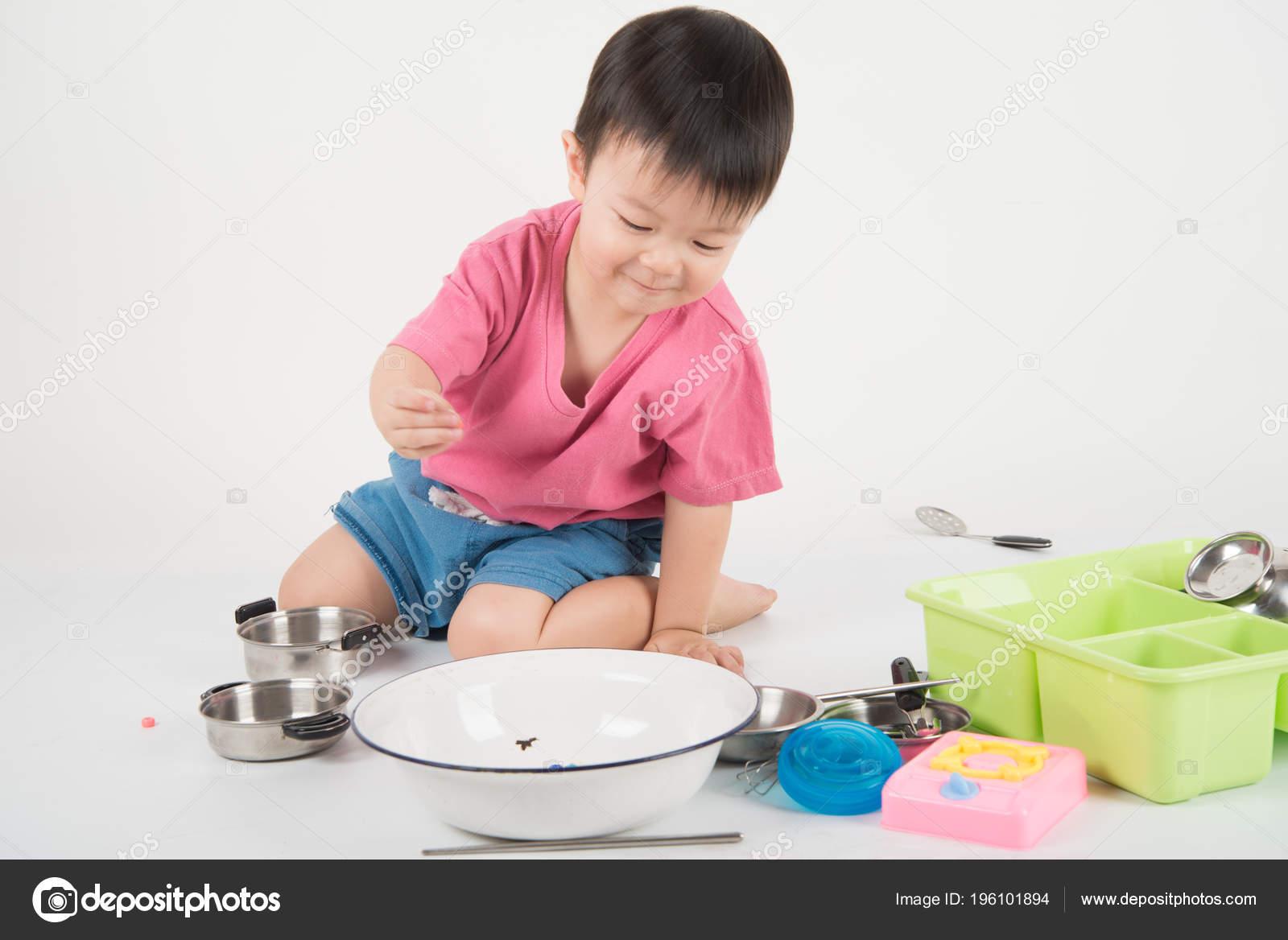 Keuken Voor Weinig : Weinig aziatische peuter jaar oud spelen keuken speelgoed