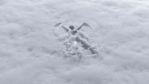 láthatatlan ember, hogy a hó angyal design friss havon