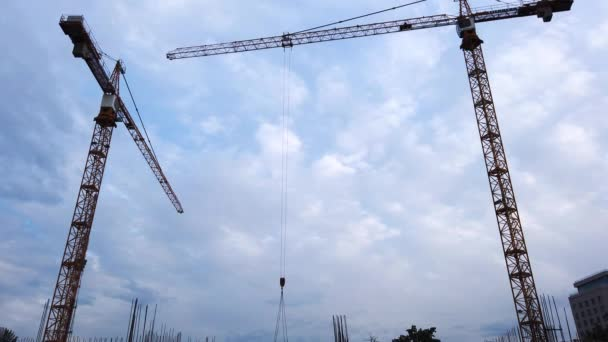 Dreharbeiten zum Bau neuer Häuser in der Stadt