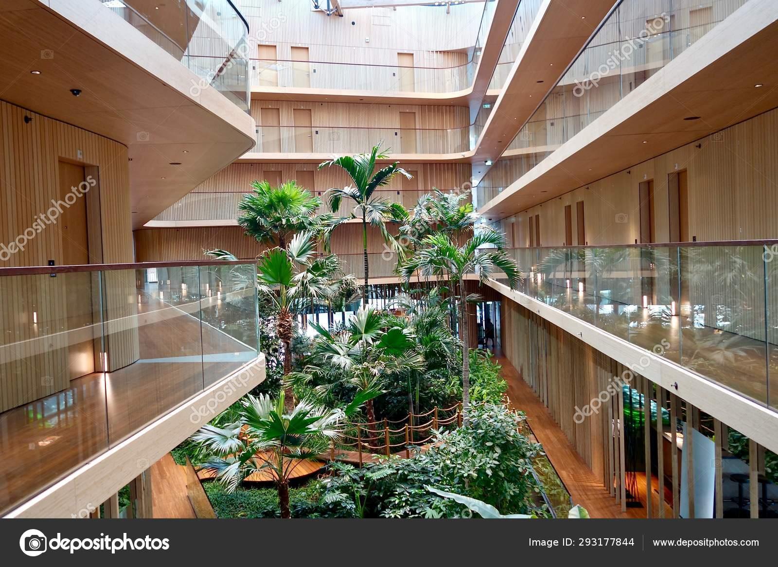 Tropischer Wald Hotel Jakarta Amsterdam Redaktionelles Stockfoto C Kirill Volkov 293177844
