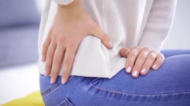 Hüft-, Rücken- und Wirbelsäulenprobleme in jungen Jahren.