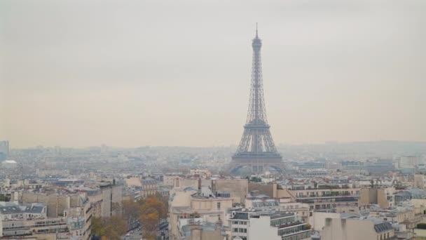 Pozorování vidět Eiffelovu věž, Paříž, Francie.