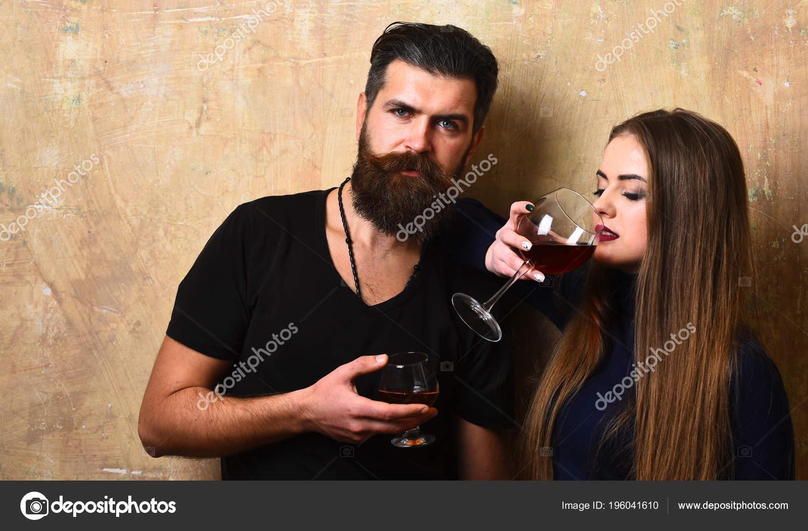 Paar In Der Liebe Mit Alkohol Gläser Am Tag Stockfoto Stetsik