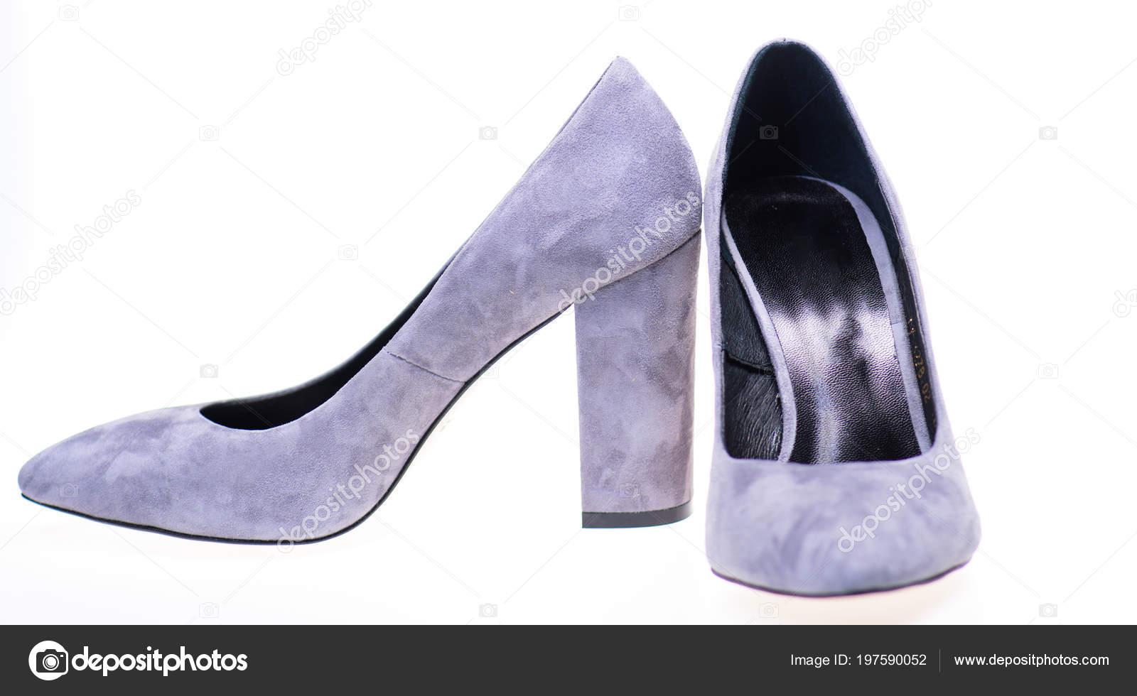 74a6f00a7e4 Ζευγάρι μοντέρνα ψηλοτάκουνα παπούτσια. Γυναικεία υποδήματα έννοια.  Υποδήματα για γυναίκες με πυκνά και ψηλά τακούνια — Εικόνα από ...