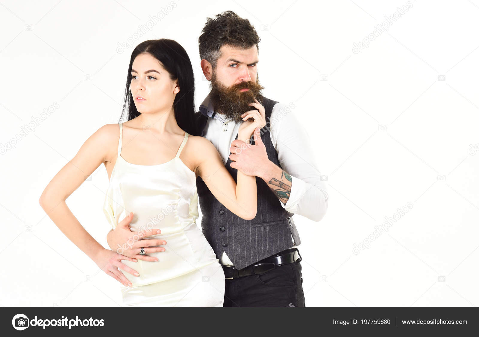 Hipster Matrimonio Uomo : Concetto di matrimonio. donna in abito da sposa e uomo in maglia