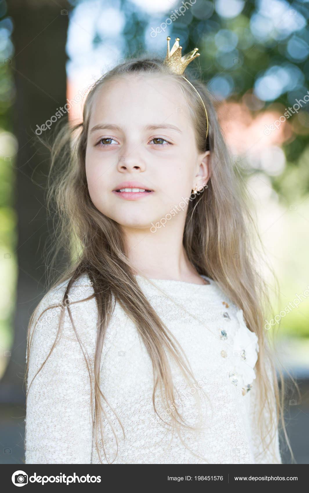 Facial girl tiny