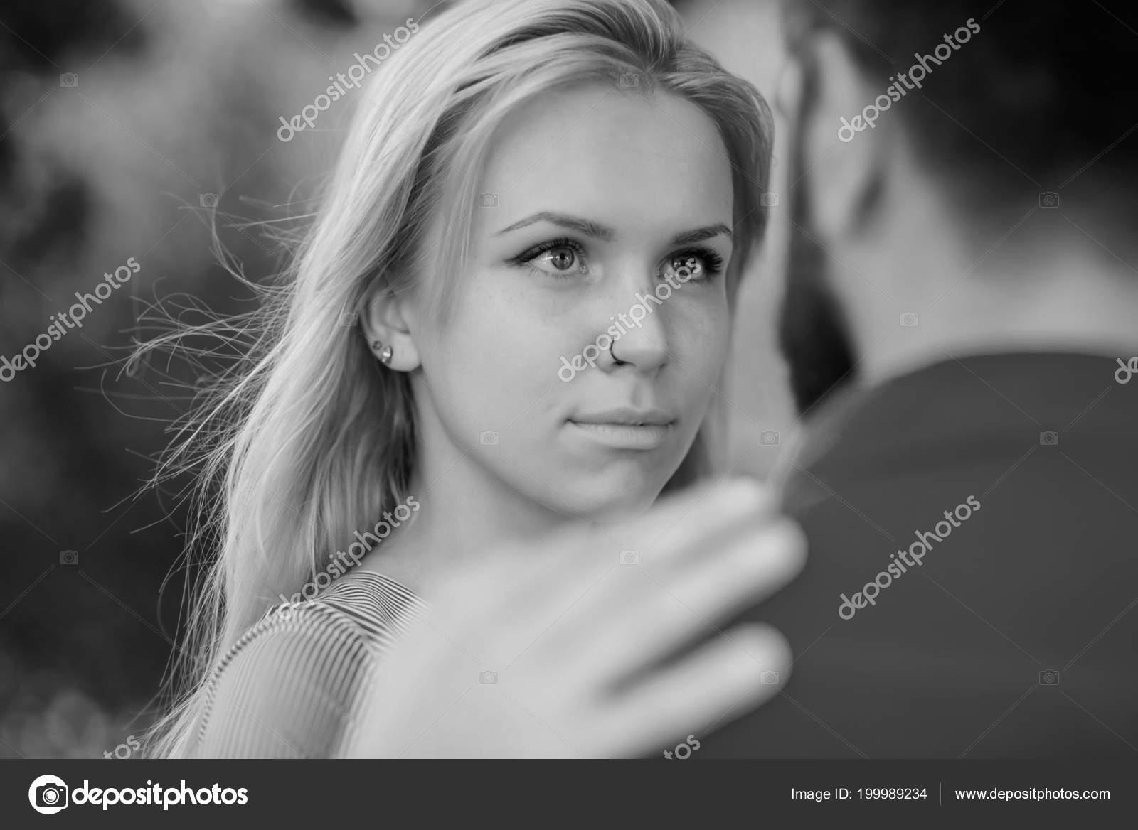 Eye dating