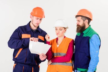 Builders and engineer arguing, misunderstanding. Team of architects, engineers discussing work, arguing, isolated white background. Labor dispute concept. Men in hard hats and uniform and young woman. stock vector