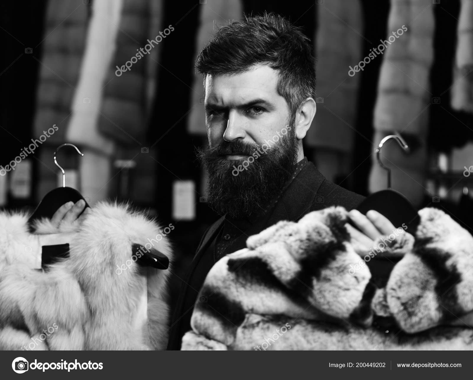 barba elige de con abrigos Cliente glamour Concepto elegancia y Yw0ggq6