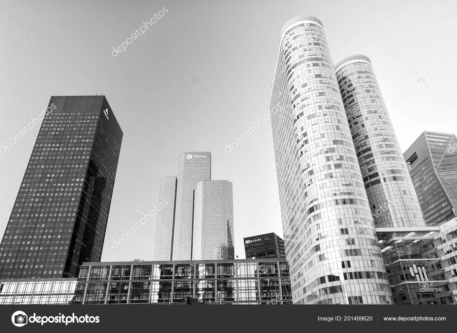 Constructions De Gratte Ciel A La Defense Paris Photo