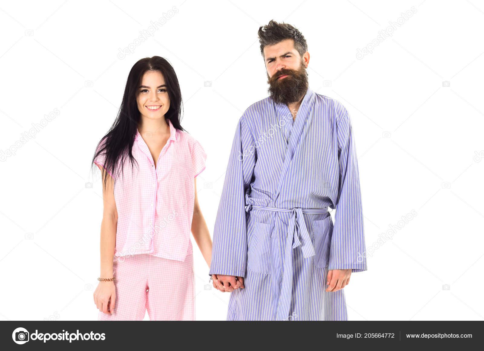 c0d90109c37d58 Casal apaixonado em pijama, roupão de banho. Casal, família sobre ...