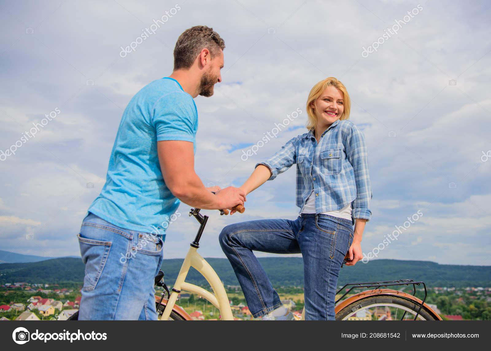 Timido ragazzo e timido ragazza dating