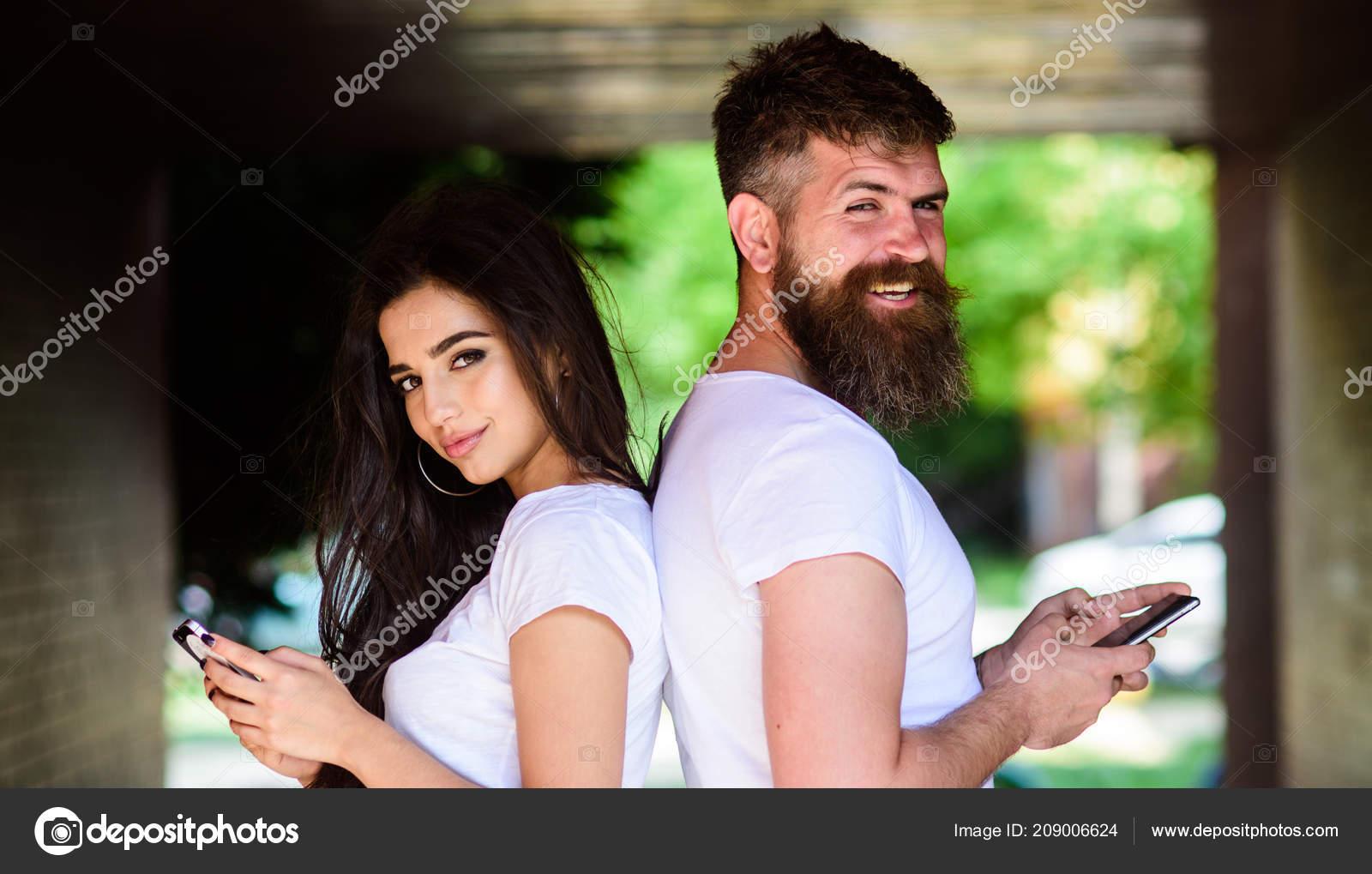 fotografie online dating podvody priateľ je na dátumové údaje lokalít