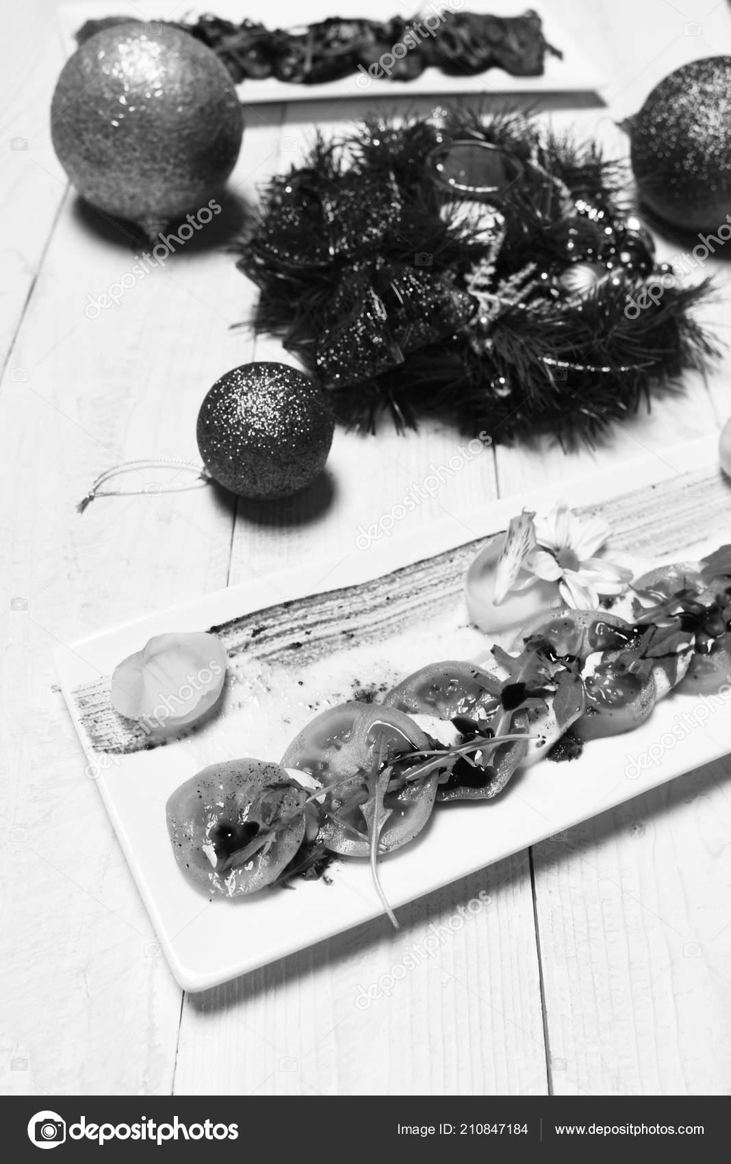 Antipasti Di Natale La Cucina Italiana.Gli Antipasti Della Cucina Italiana E Corona Di Natale Su Fondo Di