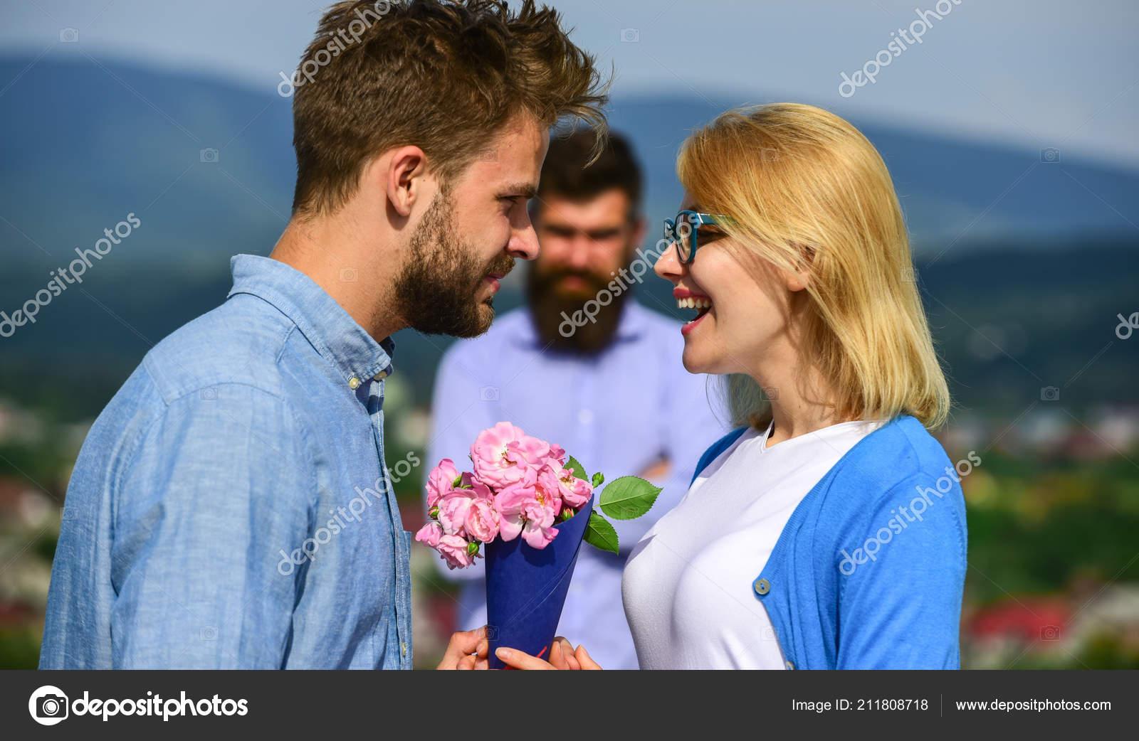 vad skillnaden mellan dating någon och att vara i ett förhållande