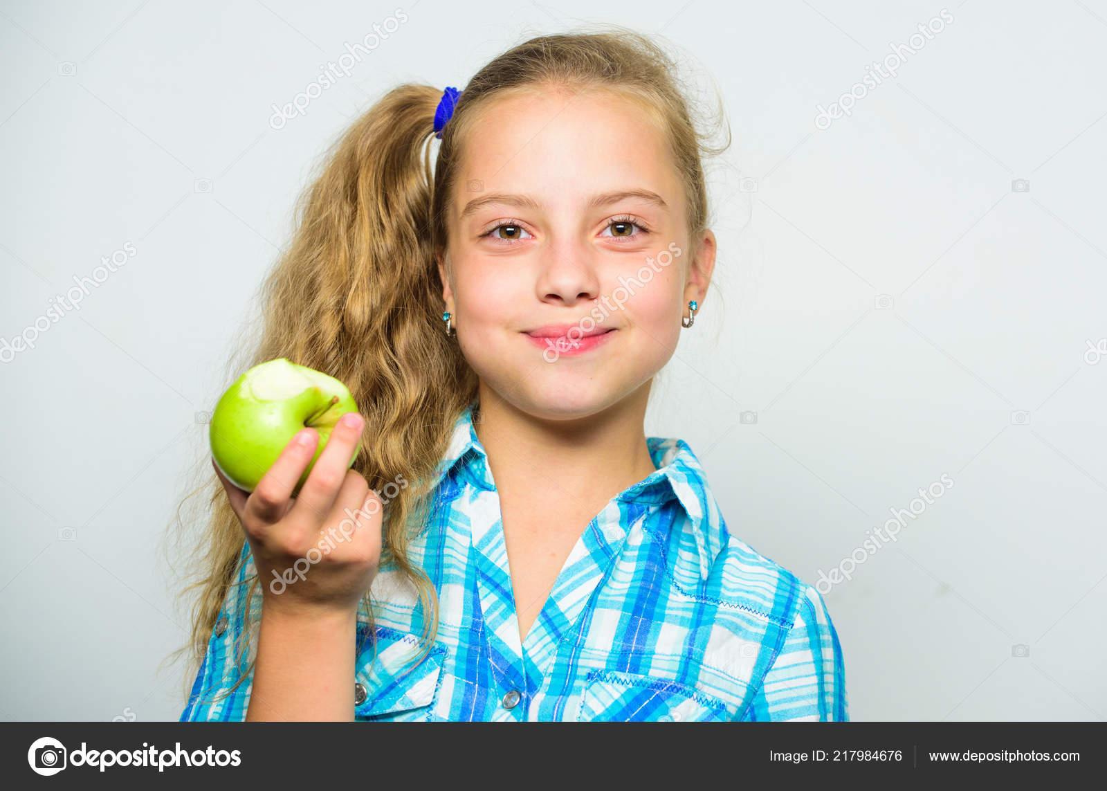 Зеленая девушка значение